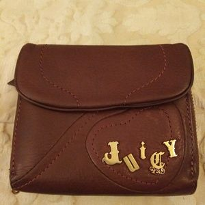 🌸Gorgeous Natural Leather. Juicy Couture Wallet
